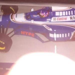F1 WILLIAMS RENAULT FW19 1997 - WORLD CHAMPION JACQUES VILLENEUVE / MINICHAMPS / 1:18 / DIECAST