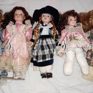 Παλιές πορσελάνινες κούκλες