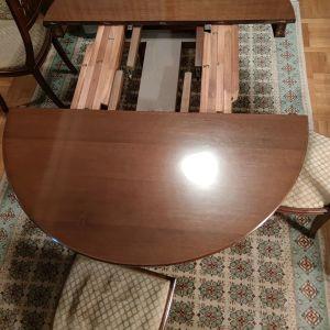 Τραπέζι ροτοντα, με μηχανισμό στο κέντρο για προέκταση  και 6 καρέκλες 350 ευρώ!