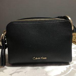 γυναικεία Calvin Klein τσάντα χιαστί