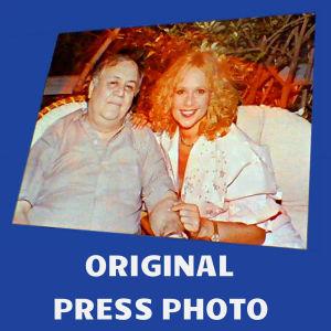 ΑΓΓΕΛΙΕΣ ΑΛΙΚΗ ΒΟΥΓΙΟΥΚΛΑΚΗ ΜΑΝΟΣ ΧΑΤΖΙΔΑΚΙΣ ΦΩΤΟΓΡΑΦΙΑ ΑΡΧΕΙΟΥ ALIKI VOUGIOUKLAKI MANOS HADJIDAKIS GREEK PRESS PHOTO '80s GREECE