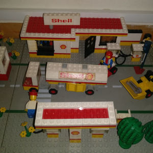 lego shell station 377 του 1977 + extra οχήματα.
