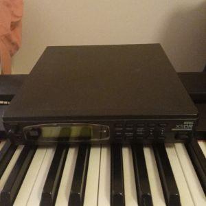 Πωλείται expander Korg X5DR με πάρα πολλούς ήχους σε πάρα πολύ κατάσταση