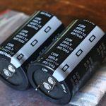 4 Ηλεκτρολυτικοί 8200 μf, 6800 καινούριοι, από λάθος αγορά. Αντικαταβολή, η κατάθεση με δικά μου μεταφορικά