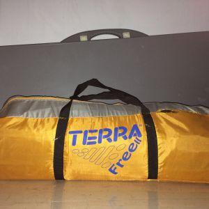 Πωλείται σκηνή 4 ατόμων terra (free II)