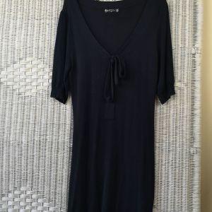 Φόρεμα μαύρο κοντό πλεκτό