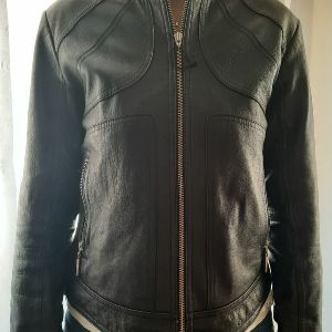 Vintage  100% δερμάτινο μπουφάν , σε μαύρο χρώμα.