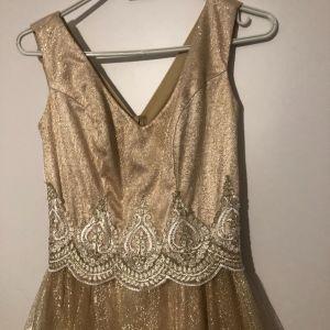 Φόρεμα χρυσό κατάλληλο για γάμους,βάπτηση κλπ