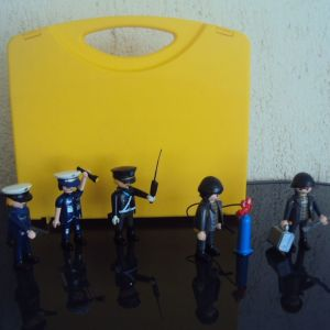 Playmobil.Βαλιτσακι.Αστυνομια και Κλεφτες.