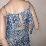 φόρεμα μίνι εμπριμέ με ανοιχτη πλατη