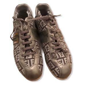 Παπούτσια Fendi