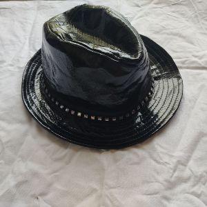χειμωνιάτικο καπέλο βινυλ