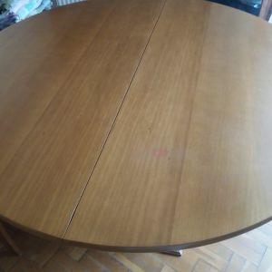 Στρογγυλό τραπέζι τραπεζαρίας επεκτεινόμενο με διάμετρο 115cm. Πωλείται λόγω μετακόμισης