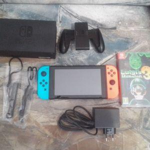 Κονσόλα Nintendo switch και game Luigi's Mansion 3