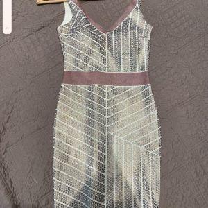 Φόρεμα καλό επώνυμο
