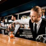 Ζητείται ζευγάρι για βοηθοί σε κουζίνα και μπαρ για εργασία στη Γερμανία.