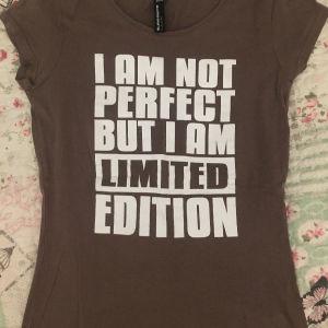 Γυναικείο μπλουζάκι κοντομάνικο