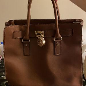 τσάντα Michael kors δερμάτινη