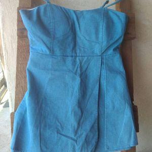 Κοντά φορέματα, 9 € το ένα, 15 € και τα δύο μαζί