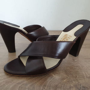 SALVATORE FERRAGAMO Made in Italy Γυναικεία Πέδιλα Size 39