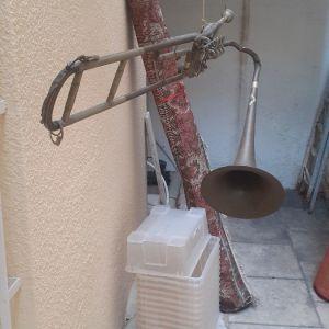 Brass trompet decoration