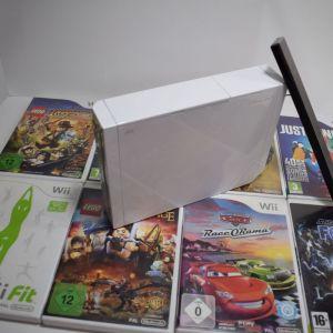 Wii+ Wii fit balance board+ 2 τηλεχειριστήρια+2 Nunchuck + όπλο
