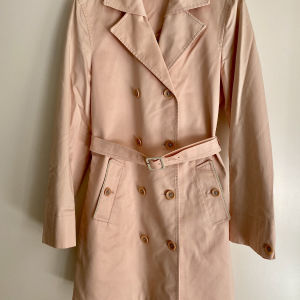 MALO trench coat in excellent condition