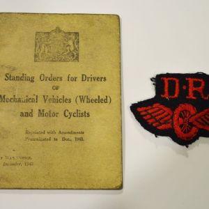 Βρετανικό αμεταχείριστο δίπλωμα οδήγησης στρατιωτικής μοτοσυκλέτας του 1943 με το διακριτικό