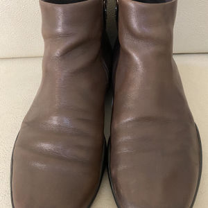 extremely gorgeous extravagant elegant unique genuinely leather boots by Prada made in Italy size 43 in excellent condition