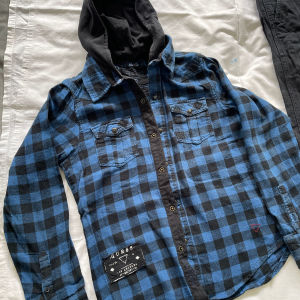 Guess πουκάμισο 10-12 ετών κ παντελόνι βράκα H&M 140 για αγορι