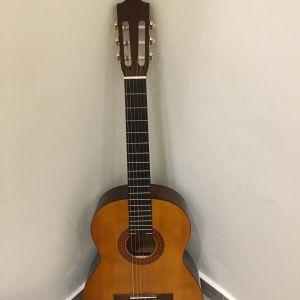 Μεταχειρισμένη κιθάρα YAMAHA C40 + Δώρο Θήκη
