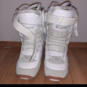 Μπότες λευκές για snowboard 39
