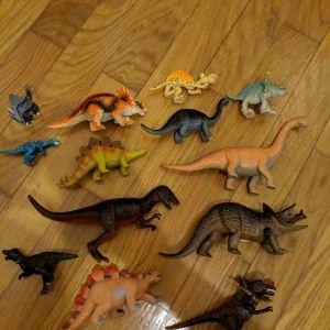 13 φιγούρες δεινόσαυροι