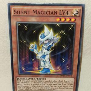 Silent Magician LV4 Yu-Gi-Oh