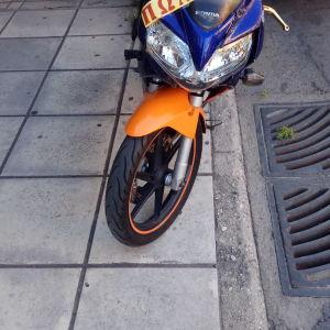 Πωλειται Honda CBR 125 2001  γνήσιο revoil