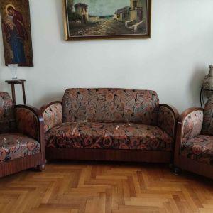 Vintage/Ρετρό σαλόνι με διθέσιο καναπέ και δύο πολυθρόνες