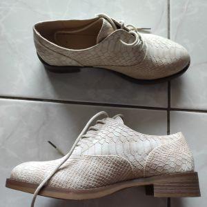 Oxford παπούτσια 38