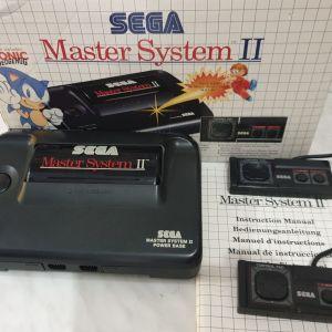 Sega Master System ΣΤΟ ΚΟΥΤΙ ΤΟΥ, κομπλε, αριστη κατασταση, για συλλεκτη