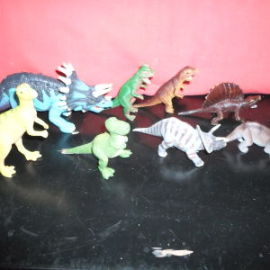 μινιατούρες δεινοσαύρων