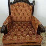 2 Χειροποιητες Πολυθρόνες  Σαλονιου Vintage με σκαλισματα απο μασιφ ξυλο και υφασμα βελουδο με σχεδια(110 η μία)