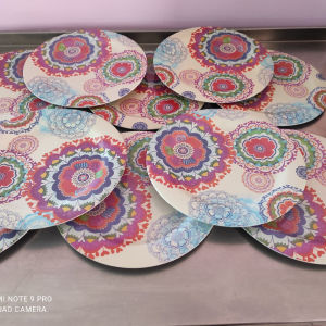 πιάτα πολύχρωμα