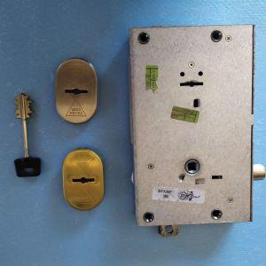 κλειδαρια υψηλης ασφαλειας CISA MADE IN ITALY,τετραπιρη+2 καταπελτες,3 σημειων,χωνευτη