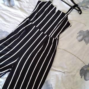 Ολόσωμο φόρεμα (Bershka)