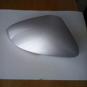 Καβούκι καπάκι δεξιού καθρέπτη γνήσιο Skoda βαμμένο , σε πολύ καλή κατάσταση.