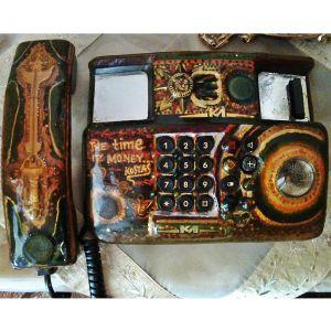 Μοναδικό και περίεργο τηλέφωνο ''  Έργο τέχνης ''