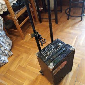Ενισχυτής με equalizer μικροφώνου και κιθάρας + ραδιόφωνου. Διαστάσεις 43 x 26 x 20