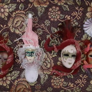 5 χειροποίητες Ιταλικές μάσκες