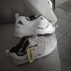 αθλητικά παπούτσια καινούργια