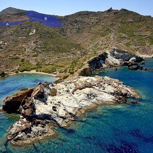 Πωλείται Αγροτεμάχιο στο Σούφι (Κίμωλος), 14.048 τ.μ + 4.479 τ.μ κοντά στη θάλασσα πωλείται σαν σύνολο.