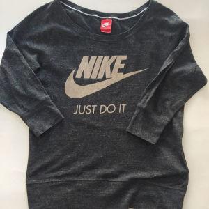 Original Nike small